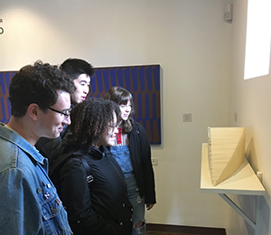 humanities-plunge-2018-students-viewing-sculpture-national-museum-of-puerto-rican-arts-and-culture-2018-03-27-300x260.jpg